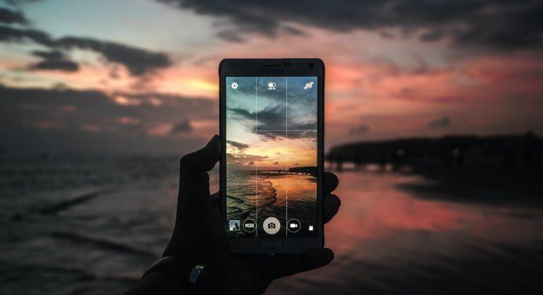 dobre zdjęcie robione telefonem na plaży